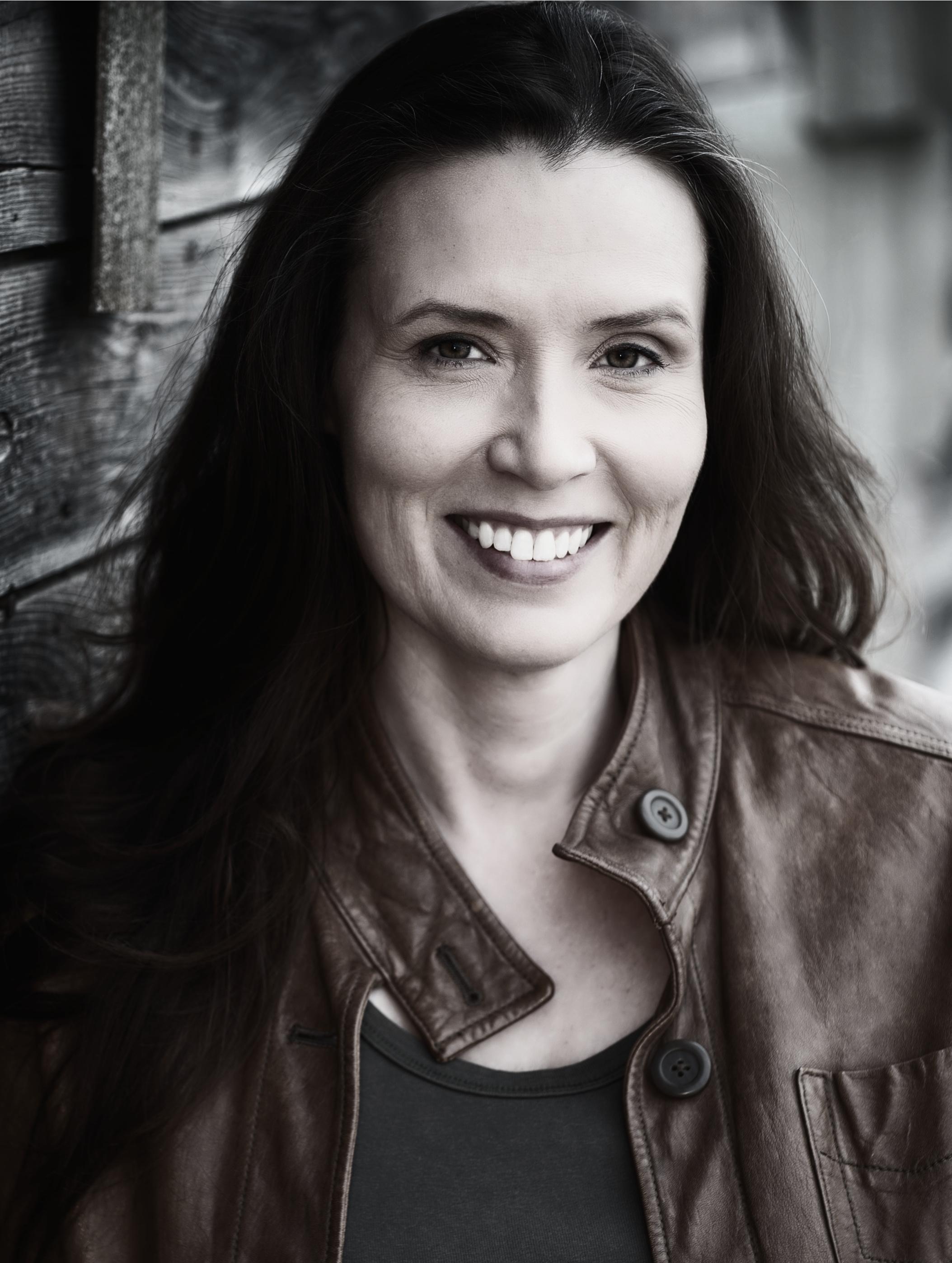 Adena Warren