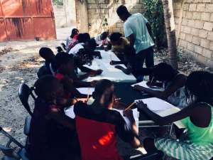 Classes d'art avec les jeunes du CAEJ - Haïti
