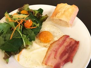 CAFE CUPOLA mejiro bacon egg