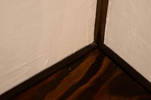 漆喰壁は粉が落ちる