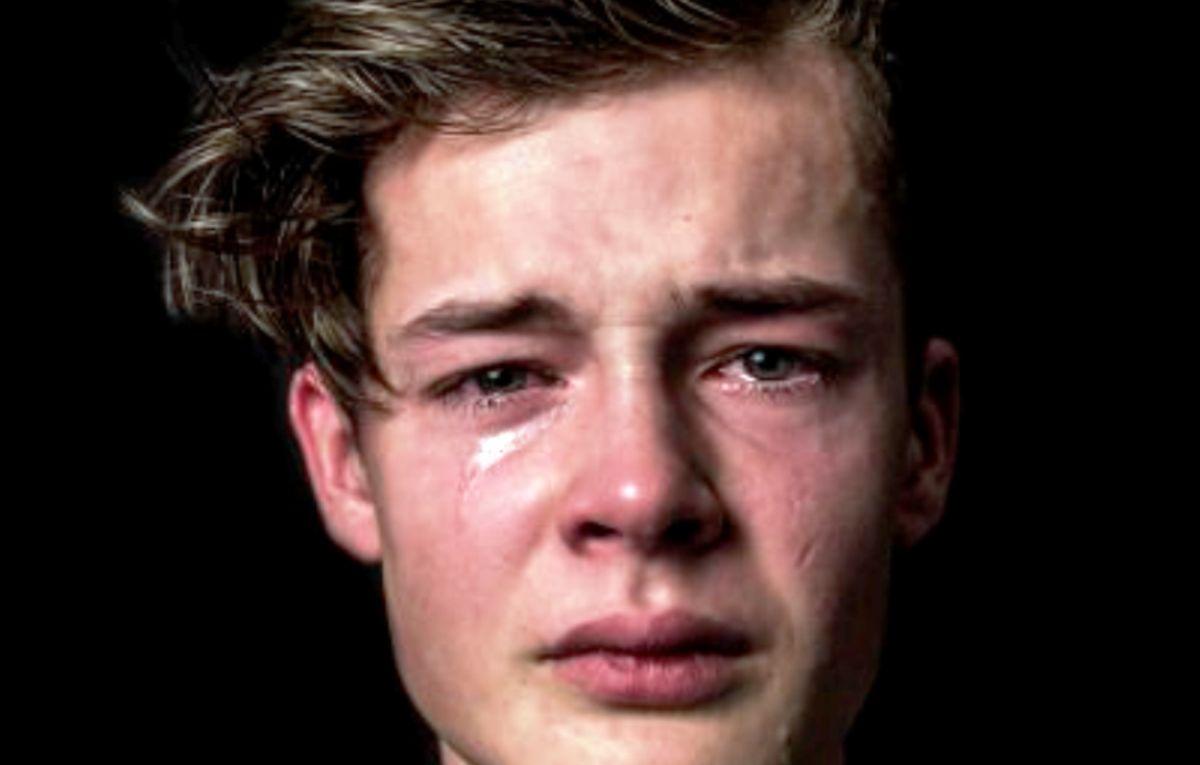 De ce plângem? Fascinanta psihologie a descărcării emoționale prin lacrimi