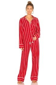 https://www.revolve.com/michael-stars-classic-pj-set/dp/MICH-WI14/?d=Womens&page=1&lc=10&itrownum=4&itcurrpage=1&itview=01