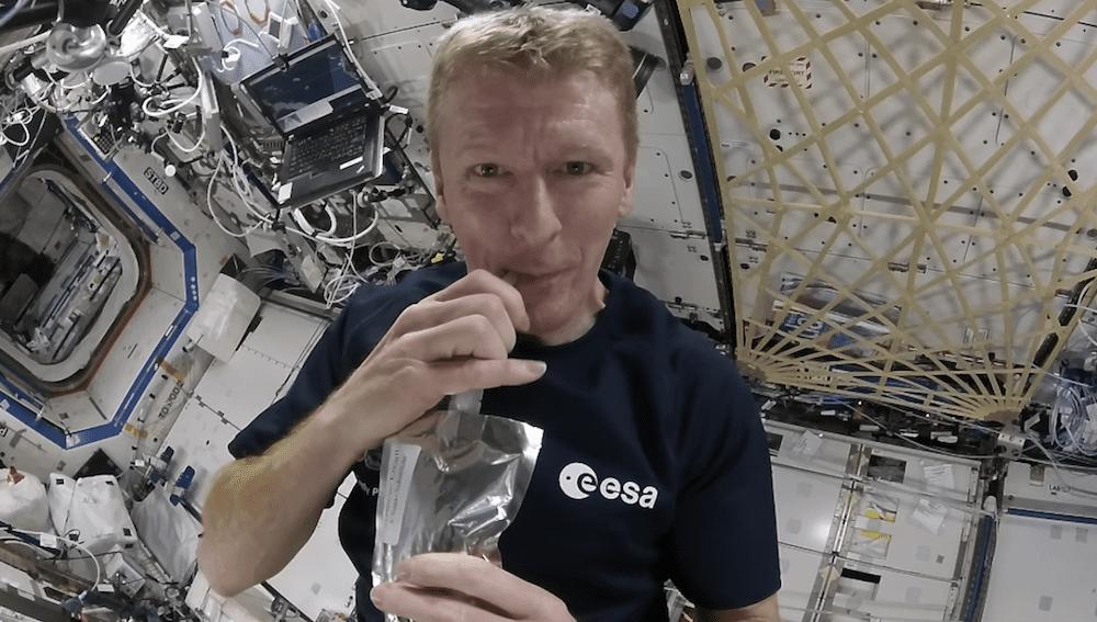 máquina espacial de café
