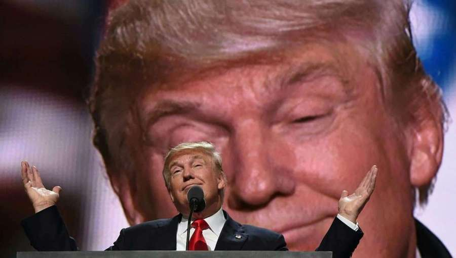 Republican presidential candidate Donald Trump addresses delegates at the end of the last day of the Republican National Convention on July 21, 2016, in Cleveland, Ohio. / AFP PHOTO / Timothy A. CLARY