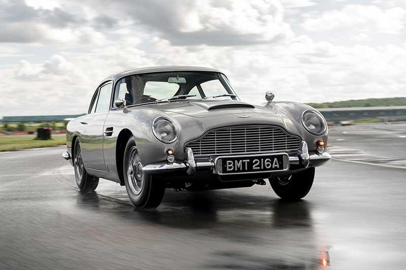 Aston Martin DB5 Goldfinger Continuation 02 - El Aston Martin DB5 Goldfinger vuelve después de 50 años