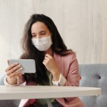 Smartphone Coronavirus Dest 150x150 - Xiaomi dona miles de mascarillas al Ministerio de Sanidad por el coronavirus