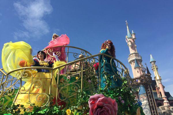 Viajar en tren desde España a Disneyland Paris