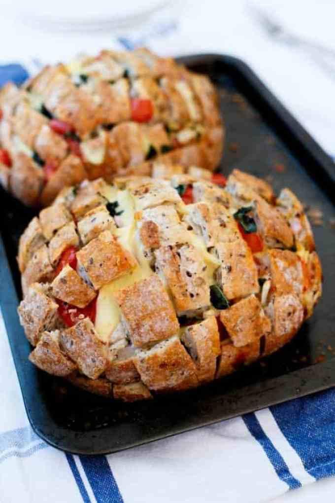 Cheesy Pizza Pull Apart Bread - Cafe Delites