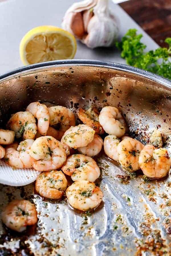 Lemon Paprika Garlic Prawns | http://cafedelites.com