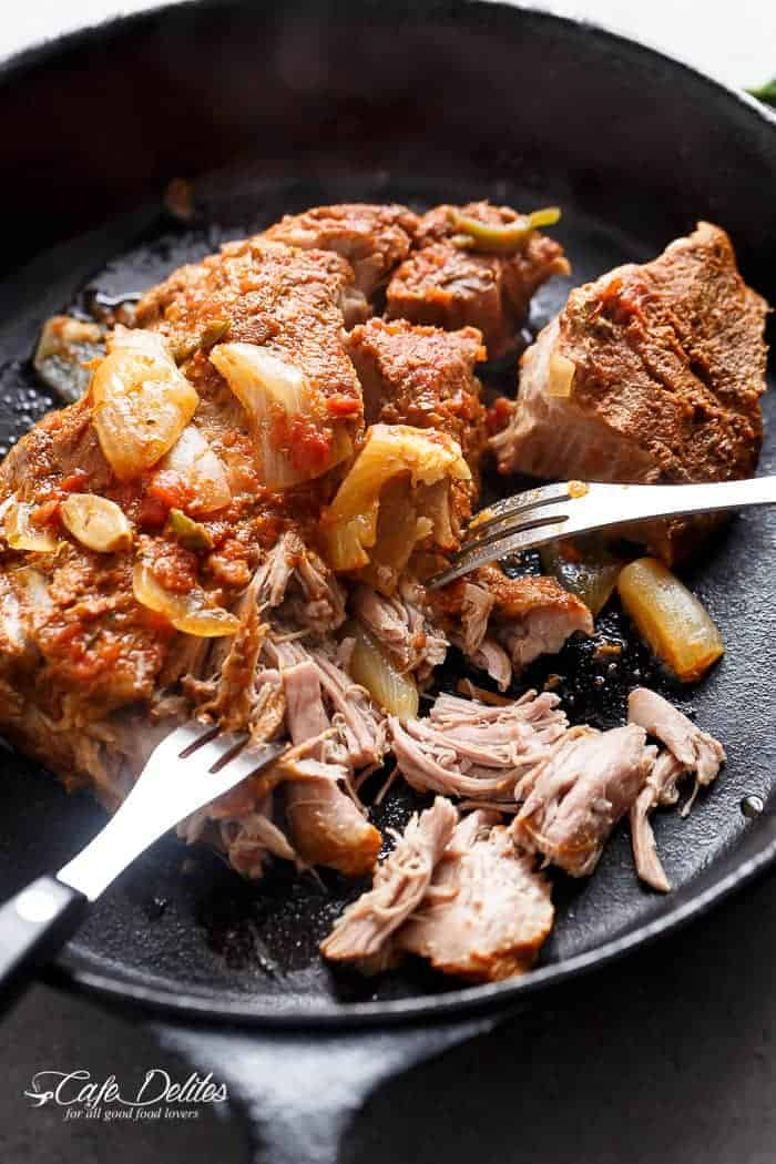 Crispy Slow Cooker Pork Carnitas (Mexican Pulled Pork) | http://cafedelites.com