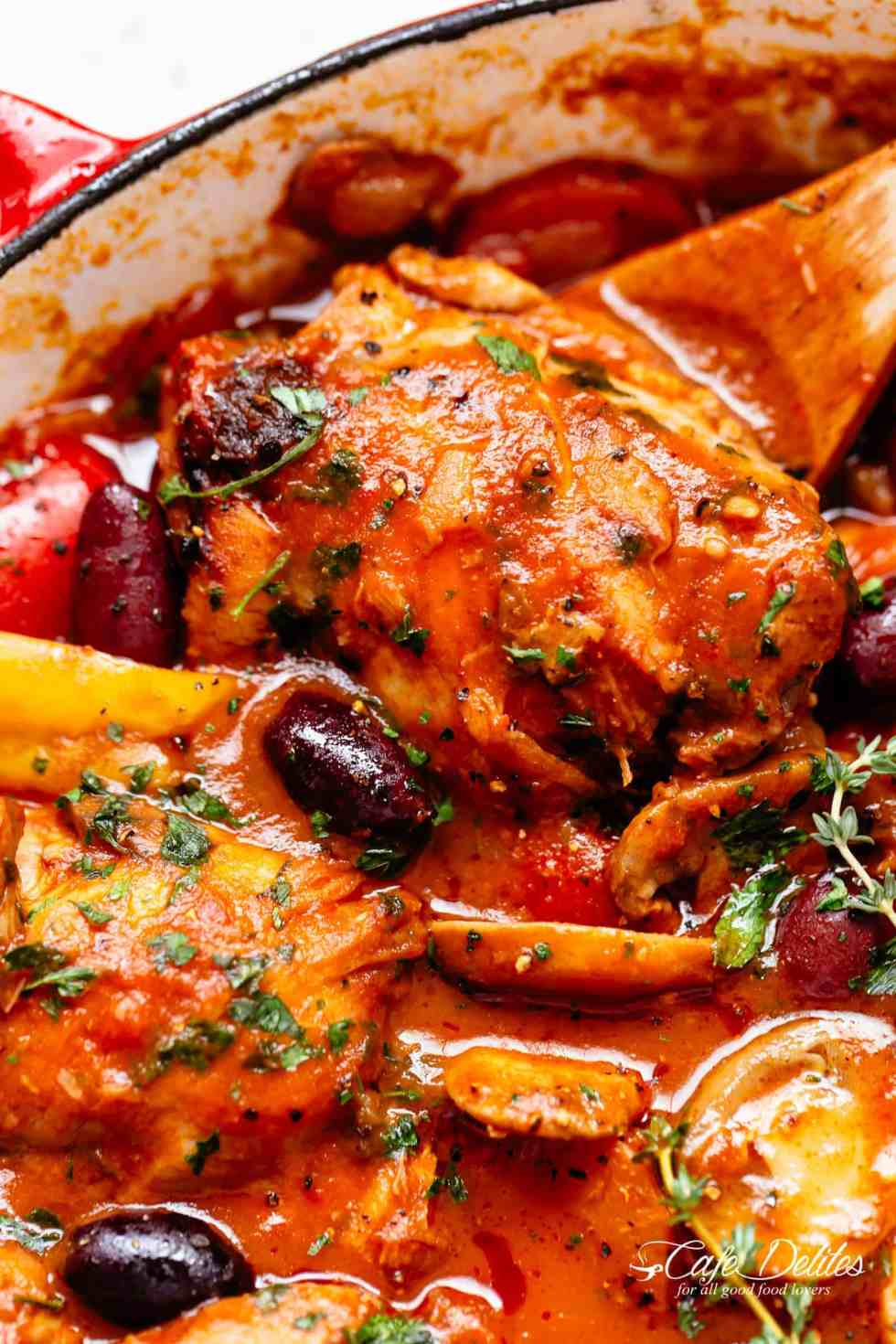 The BEST Chicken Cacciatore recipe is easy to make | cafedelites.com