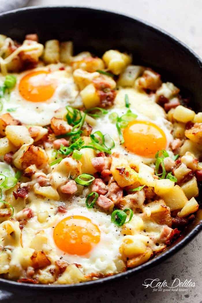Cheesy Bacon And Egg Hash (Breakfast Skillet)
