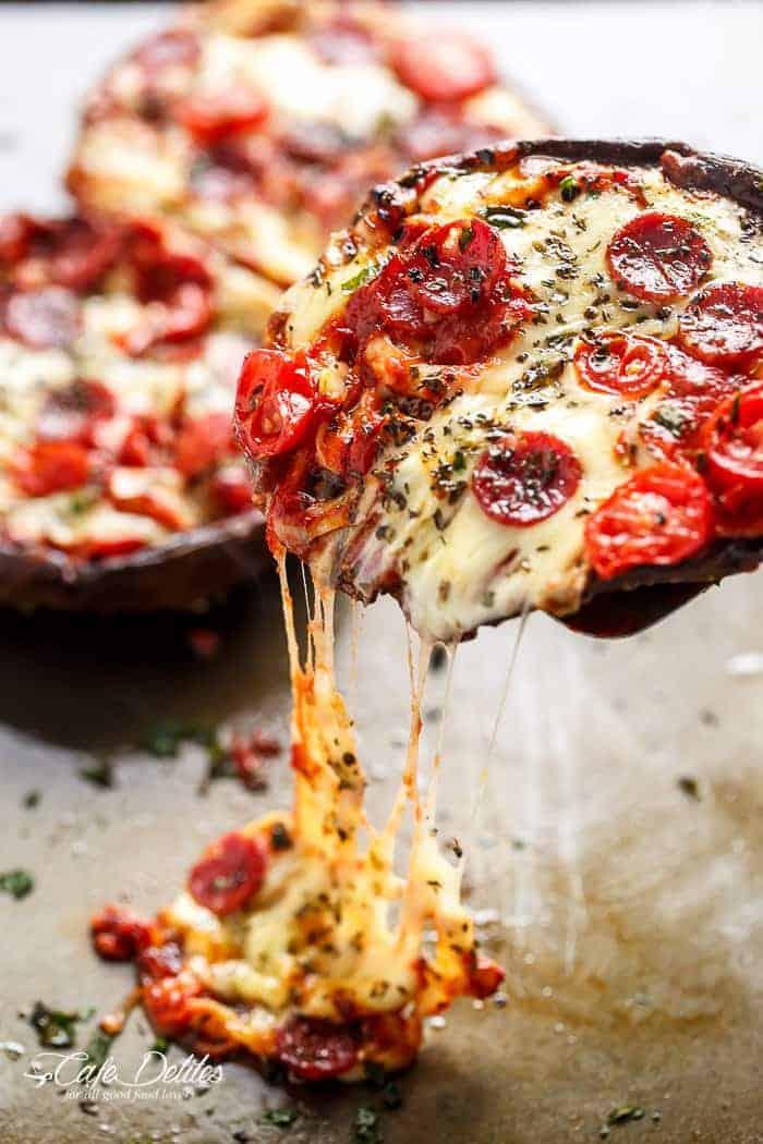 Easy Portobello Pizzas | https://cafedelites.com
