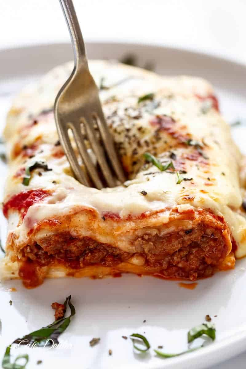 Easy Lasagna Stuffed Burritos | https://cafedelites.com