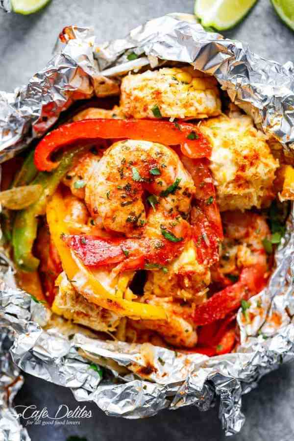 Shrimp & Mexican Corn Foil Packets are filled with Tex-Mex ingredients and flavours, PLUS the addition of creamy Elotes to complete your meal | https://cafedelites.com