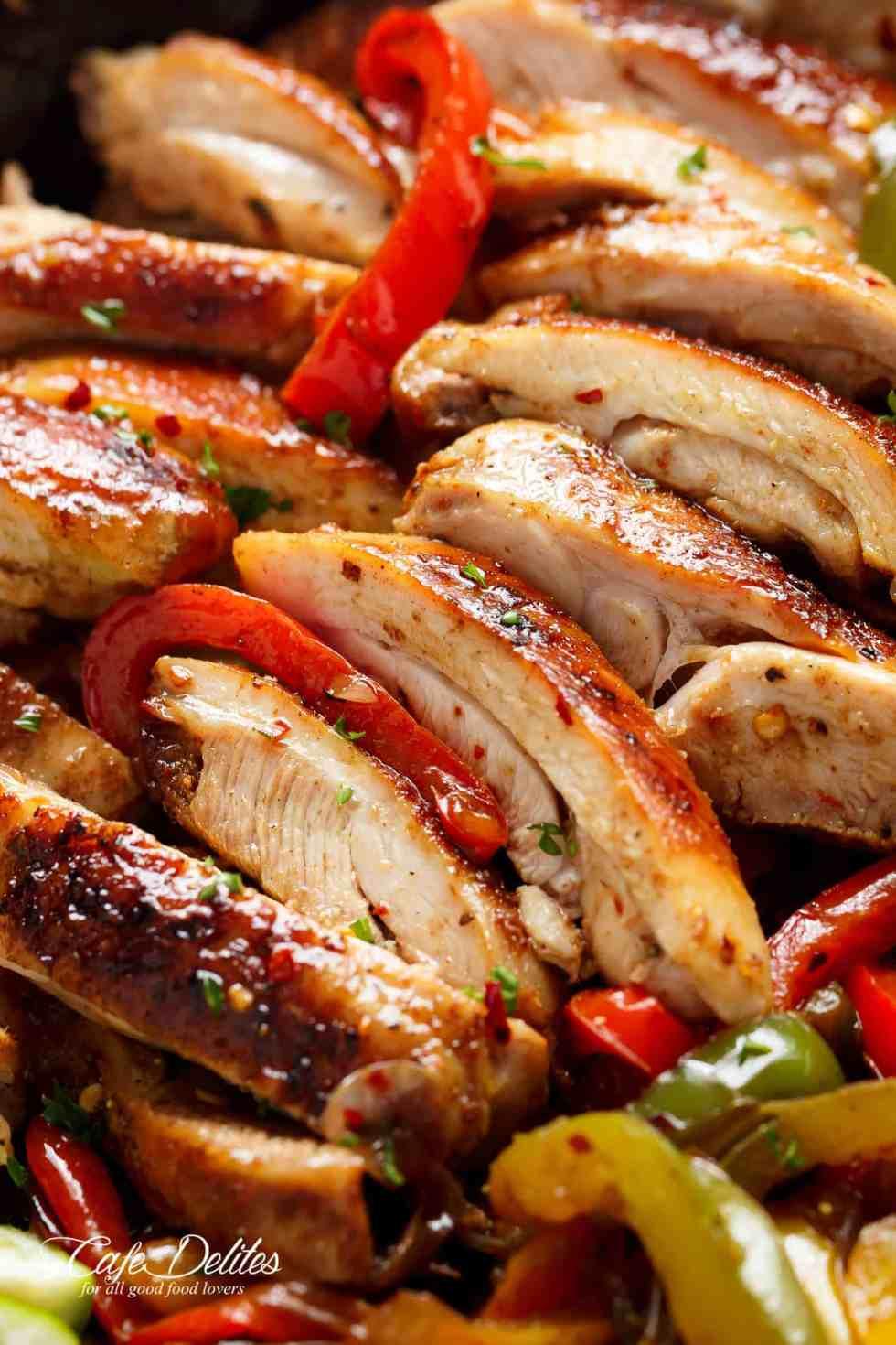 Chicken Fajita Burrito Bowl | cafedelites.com