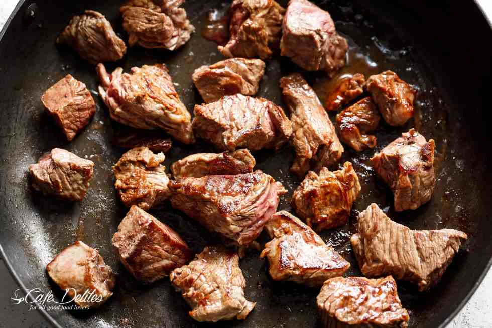Best beef cuts for Beef Bourguignon | cafedelites.com