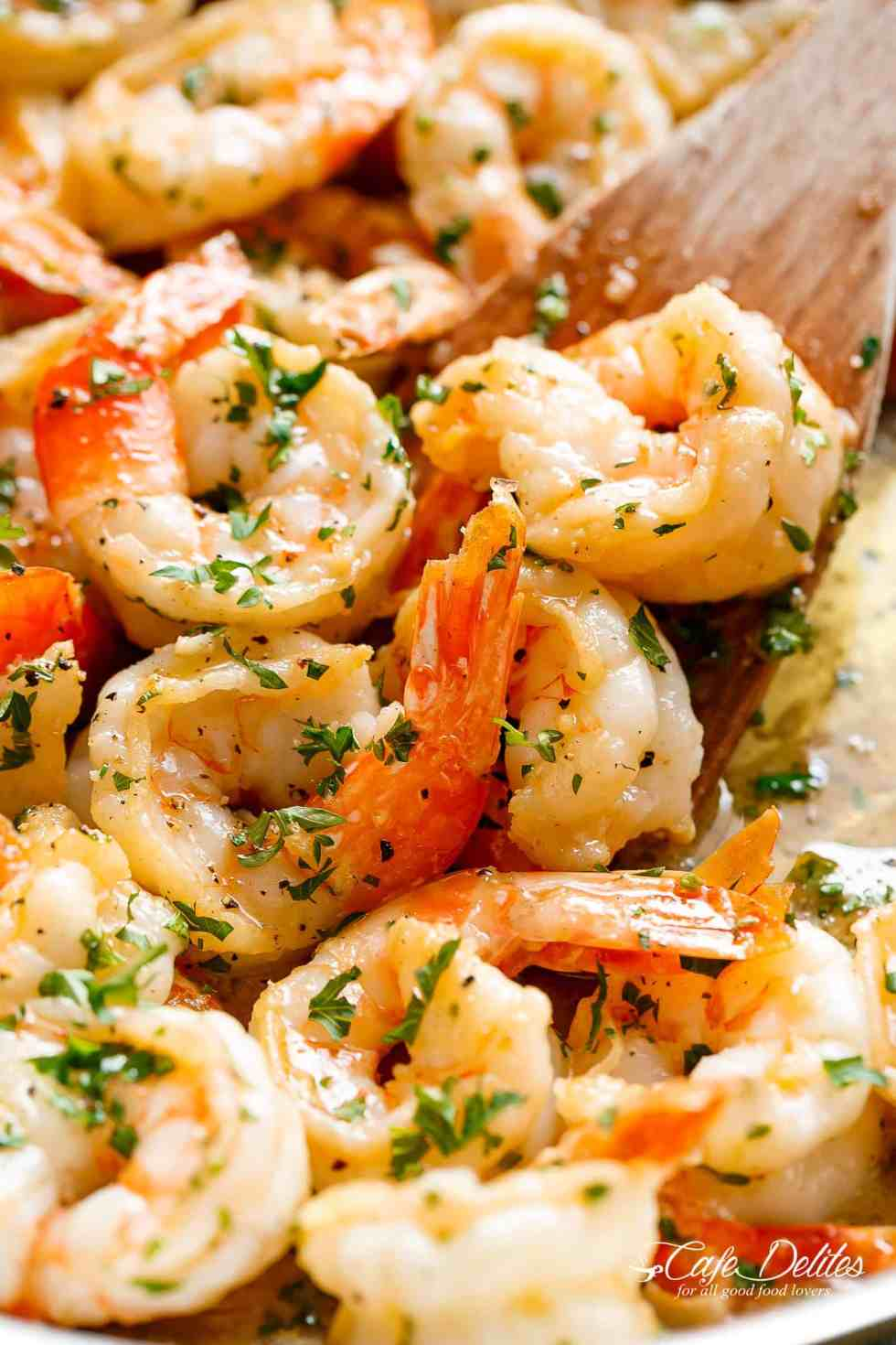 Garlic Butter Shrimp Scampi is so quick and easy withgarlic buttery scampi sauce, a hint of white wine & lemon! Ready in less than 10 minutes! | cafedelites.com
