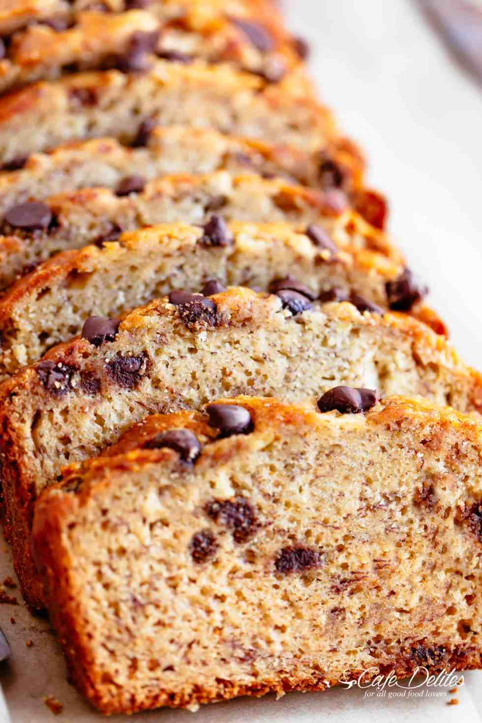 Best Banana Bread recipe with chocolate chips or nuts | cafedelites.com