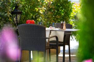 Café du Levant, Aire-la-Ville - La terrasse