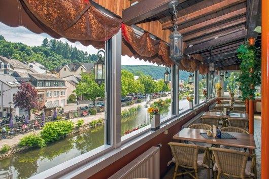 Une vue imprenable sur la rivière Our Vianden.