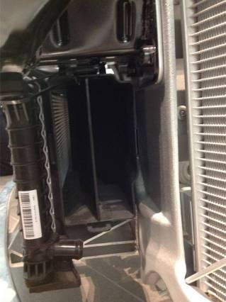 Left radiator louver