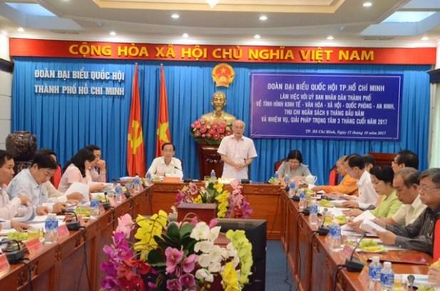 Đoàn đại biểu Quốc hội TP làm việc với UBND TP chiều 17-10.