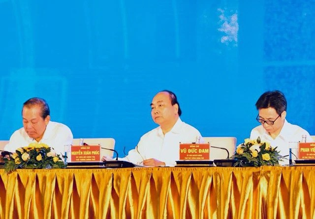 Thủ tướng Nguyễn Xuân Phúc: Miền Trung cần tìm ra căn bệnh để tháo gỡ - Ảnh 2.