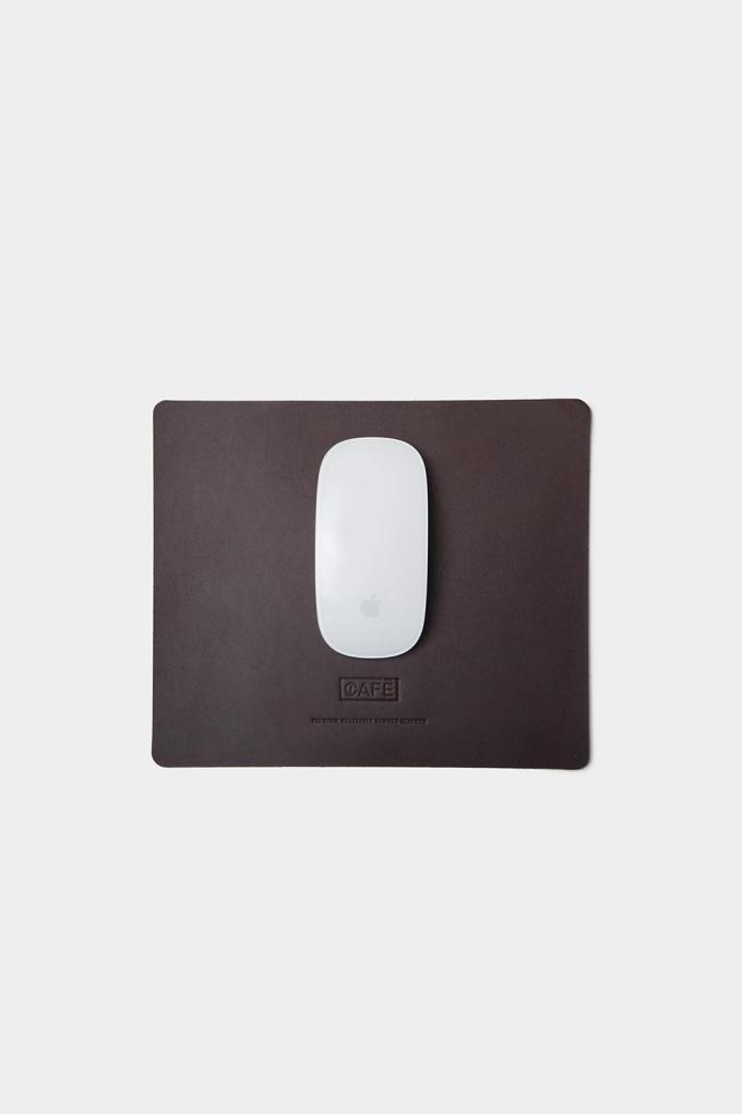 Leather mousepad black coffee handcrafted in Spain.