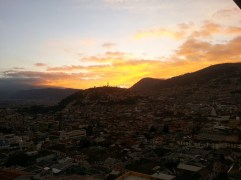 sunset at cafe Mrestaurants in Quito view from cafe Mosaicoosaico