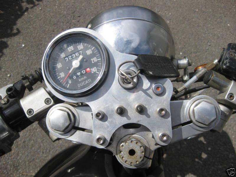 Ducati 860GT 1975 Cafe Racer 03