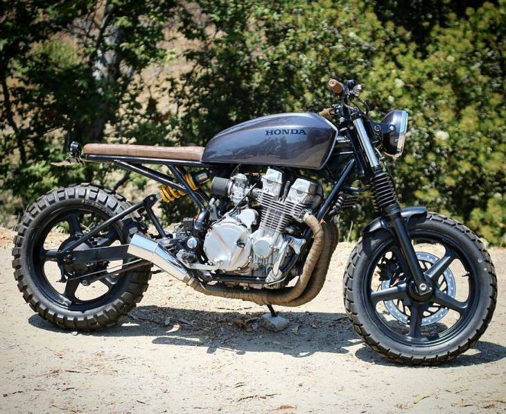 By @ocwedge - Honda #cb750 . #caferacer #caferacers #caferacersofinstagram #caferacersculture #caferacerbuilds #vintage #vintagestyle #vintagefashion #motocycle #moto #motos #motorcycles #oldstyle #oldschool #bratstyle #motorbike #motor #helmet