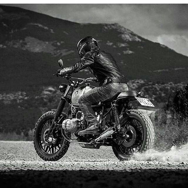 "By @nomadecycles -  Bmw R 100 RS ""LA ROCA"" @javier_maxboxer . . #nomadecycles  #scrambler #bratstyle #caferacer #caferacers #caferacerstyle #caferacersculture #caferacerbuilds #vintage #vintagestyle #vintagefashion #motocycle #moto #motos #motorcycles #oldstyle #oldschool #bratstyle #motorbike #motor #helmet"