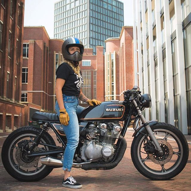 Nice pic of @esthersarah on her Suzuki 650 GT in Amsterdam 💪 📷 by @paul_vanml