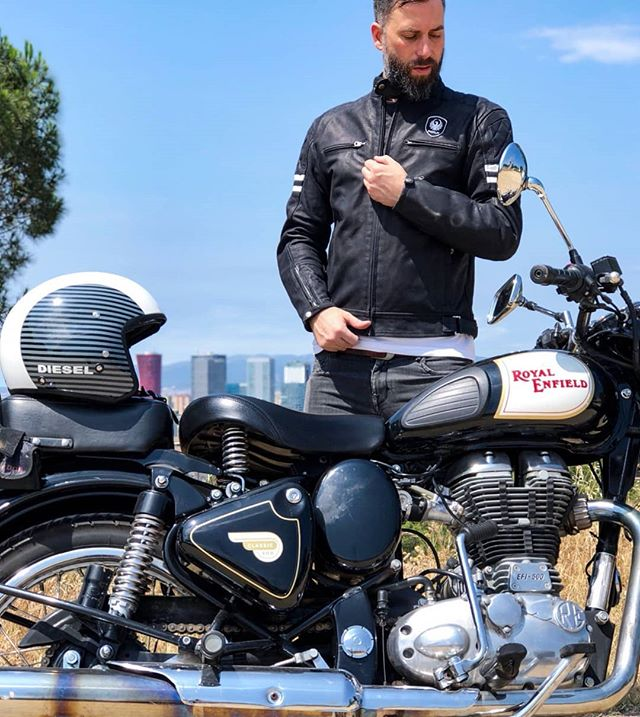 @danisotus with a Royal Enfield / 📷 @dafnepatruno / Thanks to @turourban for the jacket @merlinbikegear