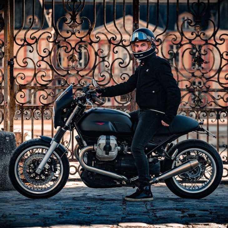 Moto Guzzi V7 by @v_brations / 📷 : @flognd . motoguzzi