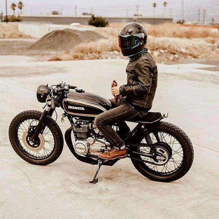 Honda CB 400F by @thewildonesride