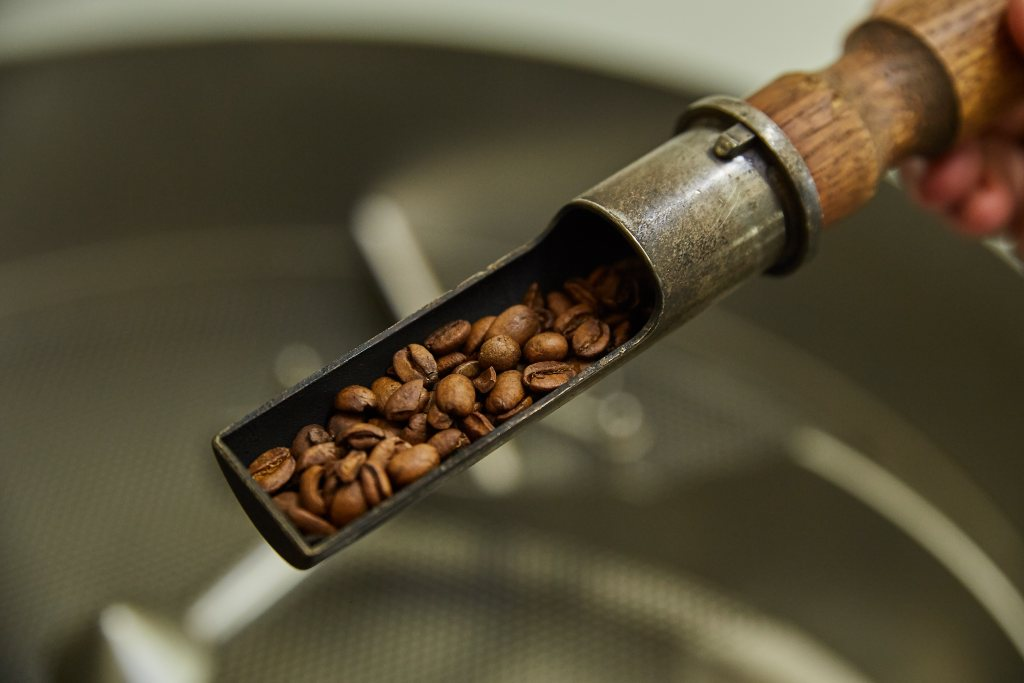 Picture of the coffee roasting probing process