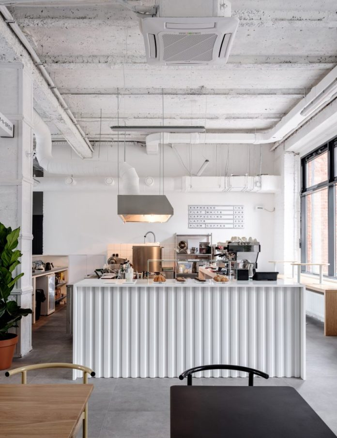 4 Amazing Tips On White Interior Designs In 2021 What To Look For In Simple Cafe Design Ideas And Modern Designs Cafesdesign