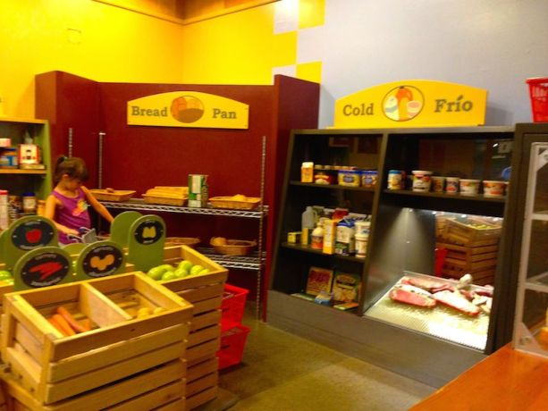 Portland Children's Museum - grocery store