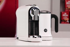 Кафе машина Carina Milk White