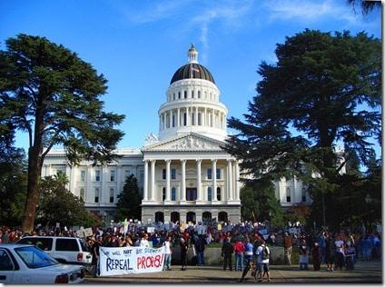 800px-Prop_8_Protest_Nov_9_2008_1