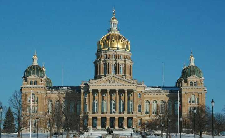 800px-Des_Moines_20090110_State_Capitol