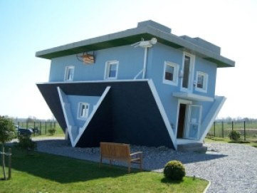 The Upside-Down House in Trassenheide, Germany Photo credit: backkratze (CC-By-2.0)
