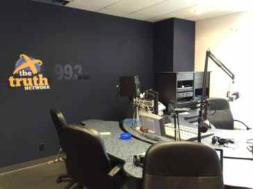 the-truth-network-des-moines-studio