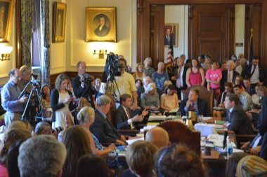 Standing room only for NH PP vote 8/5/15. Kevin Avard photo.