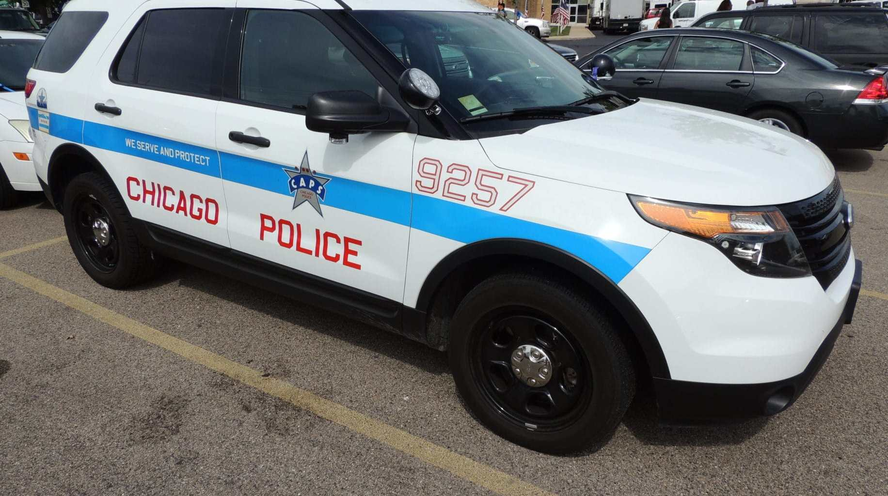 Chicago Police CAPS (Chicago Alternative Policing Strategy) vehicle. Photo credit: Asher Heimermann (CC-By-3.0)