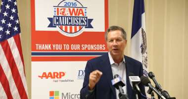 Ohio Gov. John Kasich giving a press conference at the Iowa State Historical Building. Photo credit: Dave Davidson (Prezography.com)