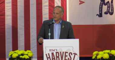 Congressman Steve King (R-IA) spoke at Kim Reynolds' Harvest Festival on 10/21/17.