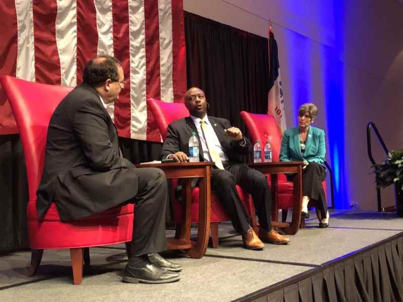 Iowa GOP Chair Jeff Kaufmann moderates a Q&A session with U.S. Senators Tim Scott (R-SC) and Joni Ernst (R-IA).